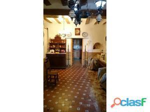 casa en el centro de zarra, restaurada, con 4 habitaciones,