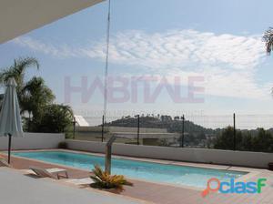 espectacular chalet con parcela y piscina en zona alta de