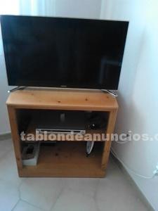 Venta de mesa tv de madera y butaca novisima
