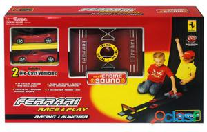 Burago 1/43 Ferrari Racing Launcher, Incluye 2 Coches