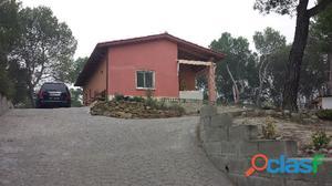 Casa muy acogedora y con gran terreno, en plena naturaleza.