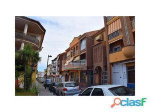 LA ZUBIA, pleno centro, amplio piso con 3 dormitorios, 2