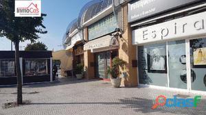 Local junto a la parada de metro en Mairena del Aljarafe
