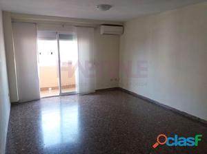 Piso en venta en Alzira con plaza de garaje
