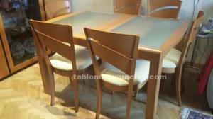 Mesa de comedor y 6 sillas. Nuevo