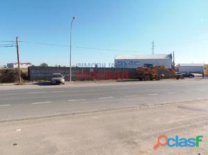 Solar industrial en la carretera de Talayuela en Navalmoral