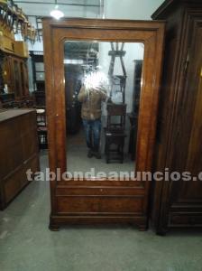 Armario madera cerezo con espejo