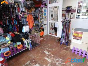 Negocio de peluqueria y tienda de animales en
