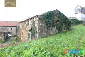 Reforma esta casa con terreno en Verdes (Coristanco)