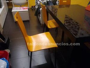 Preciosa mesa de cristal como nueva y 4 sillas