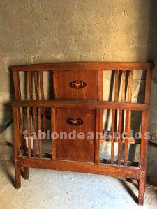 Conjunto habitación antigua mesita +cama