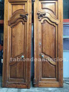 Puerta mobila antigua