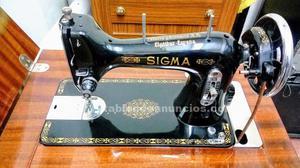 Maquina de coser sigma.