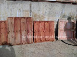 Puertas antiguas de madera de dos piezas