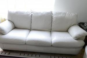 Se vende 2 sofás de 3 y 2 plazas en piel natural