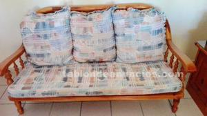 Sofa de tres plazas en provenzal