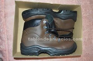 Ropa y botas de trabajo