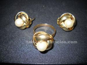 Juego de anillo y pendientes de oro con perlas