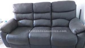 Sofá 3 plazas con asientos reclinables.