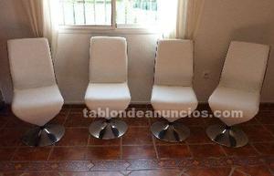 Conjunto de 4 sillas en color blanco y negro