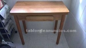 Mesa cocina y silla