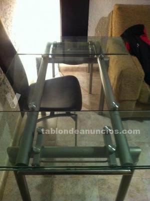Mesa de cristal extensible con 4 sillas de piel