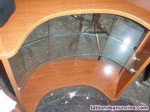 Mueble-bar con barra de mostrador y dos taburetes