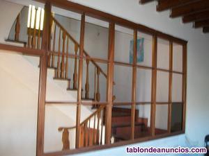 Vendo vitrina de madera separador de espacios