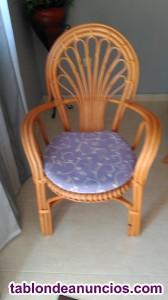 Conjunto de mesa y 3 sillas de mimbre