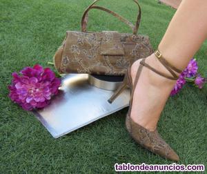 Precioso conjunto de zapatos y bolso