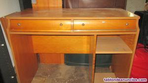 Mesa de estudio de madera con cajones