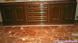 Aparador de madera con placa de mármol