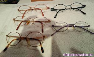 Conjunto de gafas redondeadas.