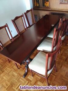 Urge. Mesa comedor y sillas