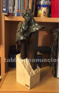Figura pareja bronce miro
