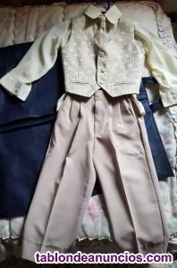 Traje de ropa de niño muy coqueto y elegante