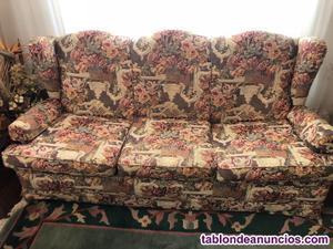 Vendo sofá de tres plazas seminuevo