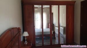 Se vendé muebles seminuevos para un piso todo  €.