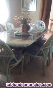 Mesa con sillas comedór