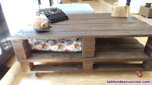 Mesa de salon hecha con madera reciclada de palets