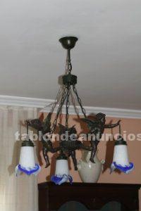 Estupenda lampara de angeles y tulipas de cristal