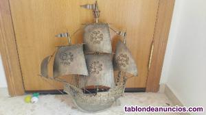 Vendo lampara en forma de barco para 4 bombillas