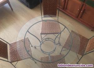 Mesa de hierro forjado más 4 sillas