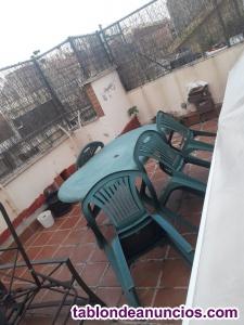 Vendo mesa y 4 sillas de exterior