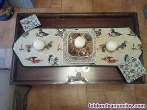 Vendo mesa baja de centro de madera más cristal