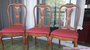 Sillas (6) de madera tapizadas.