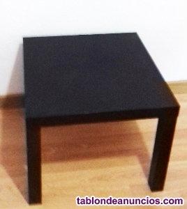 Mesa negra de madera