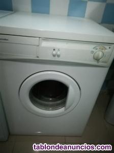 Se vende secadora electrolux con poco uso