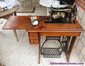 Se vende máquina de coser singer antigua