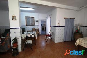 Casa de pueblo en Venta en Chiva Valencia